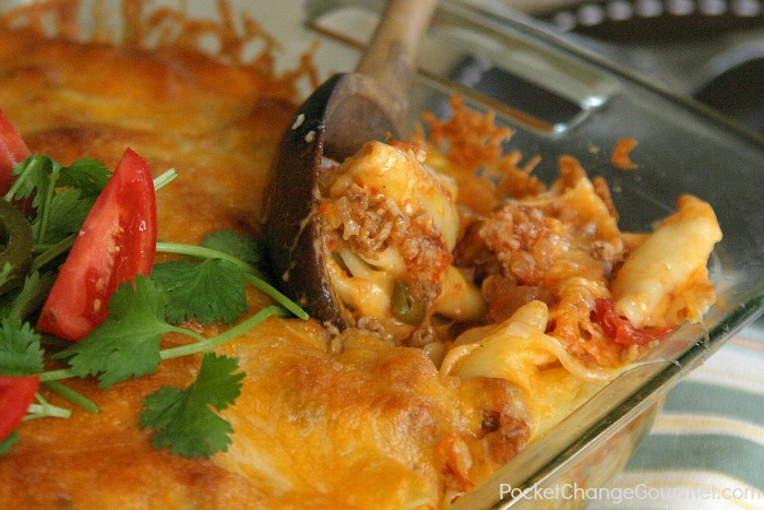 Mexican-Macaroni-and-Cheese.served