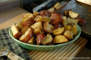 Garlic Rosemary Roasted Potatoes – 25 Days of Holiday Recipes