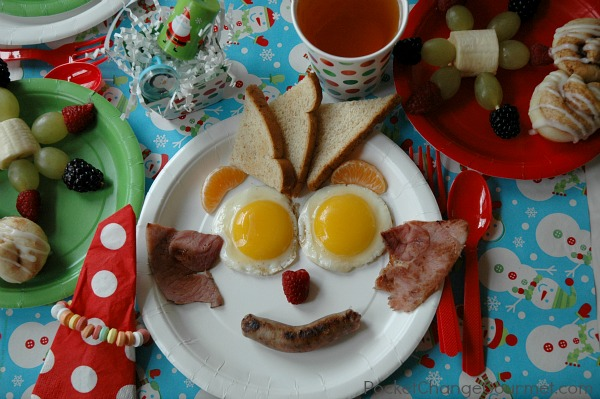 Christmas Kiddie Breakfast Menu :: PocketChangeGourmet.com