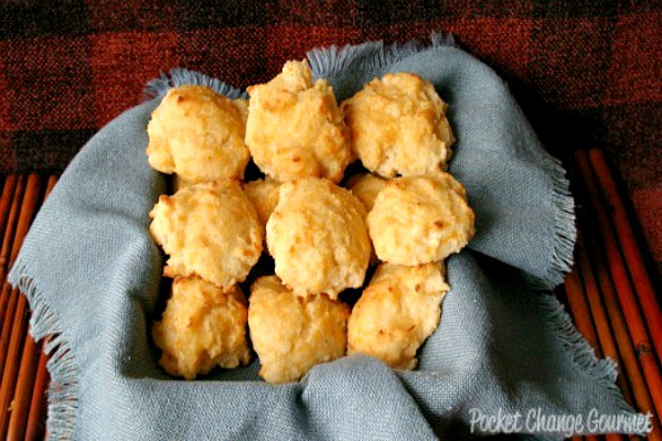 Red Lobster Cheese  Biscuits :: Recipe on PocketChangeGourmet.com