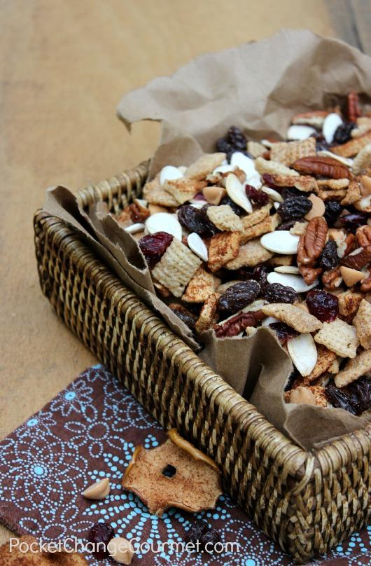 Apple Cinnamon Snack Mix