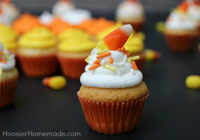 These small cupcakes will be the perfect treat to go with your trick!