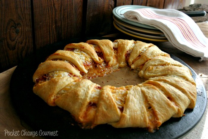 Pepperoni Pizza Ring | Recipe on PocketChangeGourmet.com