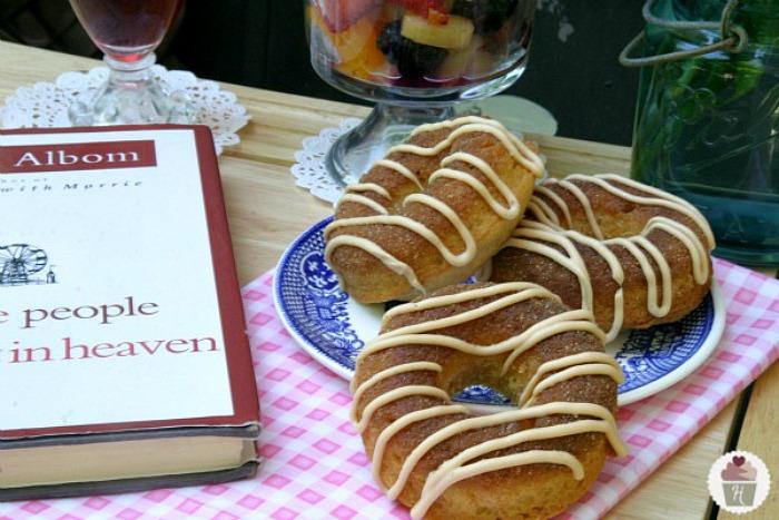 Cinnamon-Roll-Doughnuts.close_