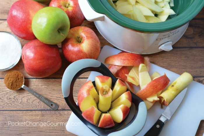 Cutting apples for apple sauce