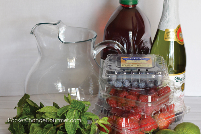 This Berry Punch Recipe uses simple ingredients.