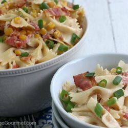 MEXICAN PASTA SALAD - Take your ordinary Pasta Salad Recipe to the next level! This easy to make Pasta Salad is packed with flavor including a Ranch Sriracha dressing!