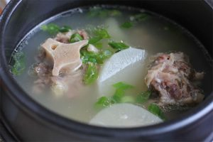 Korean-Oxtail-Soup-feat-img
