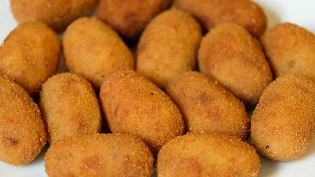 perfectly cooked chicken croquettes