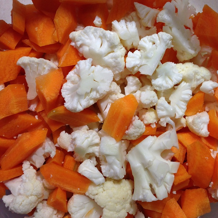 steam cauliflower ans carrots